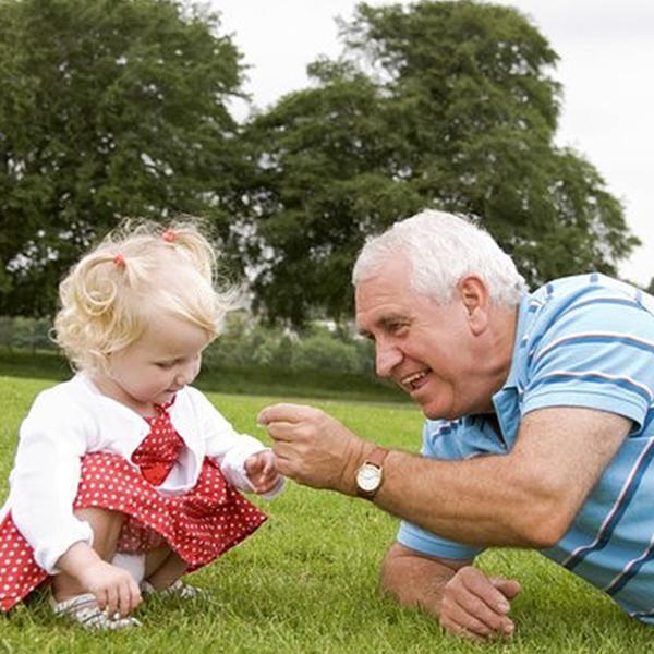 дед лижет внучке киску фото